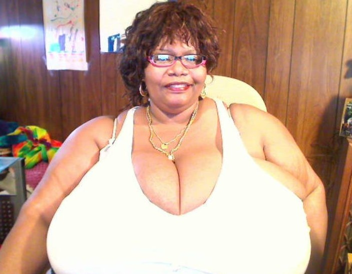 Fat Aunty Nude